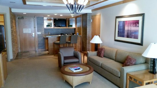 Pechanga Resort And Casino: Living Room With Bar Area. Part 22