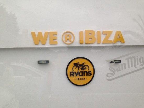 Ryans Ibiza Apartments: Recepción estamos en Ibiza