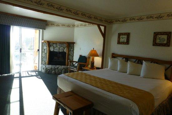 The Lodge at Big Bear Lake, a Holiday Inn Resort: Superior King Room