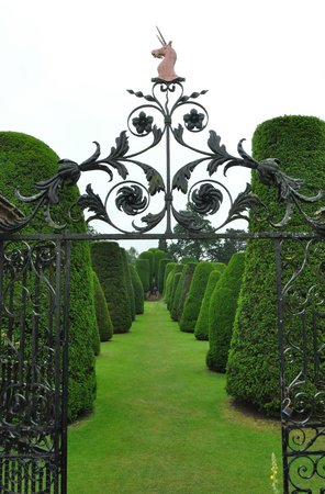 Packwood House: the best I could do in the rain!