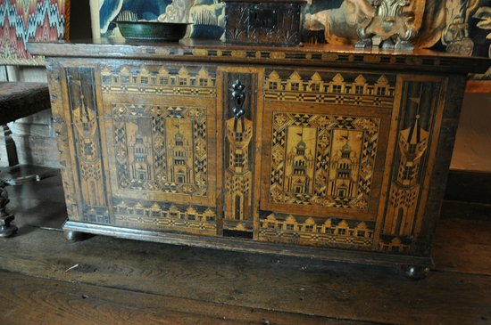 Packwood House: chest with marquetry of Nonsuch Palace on it