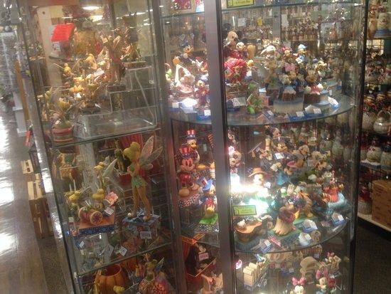 Shady Maple Smorgasbord: Disney figures