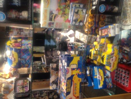 Shady Maple Smorgasbord: Beatles Yellow Submarine merchandise