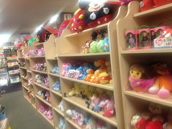Shady Maple Smorgasbord: That's a lot of stuffed animals!