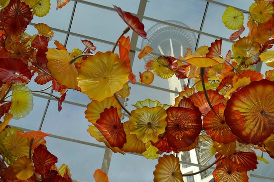 Chihuly Garden and Glass : stunning setting!