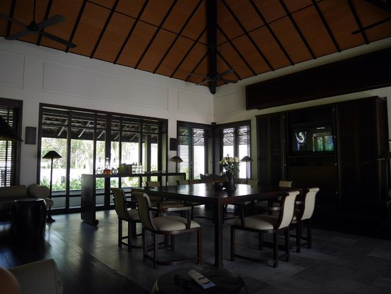 Four Seasons Resort The Nam Hai, Hoi An: Pool Villa Living Room