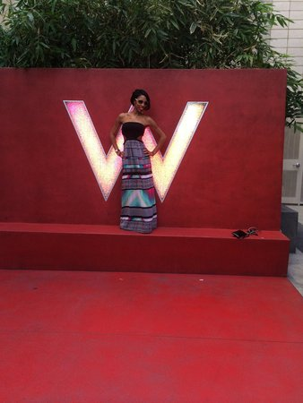 W Hollywood: Me & the W sign
