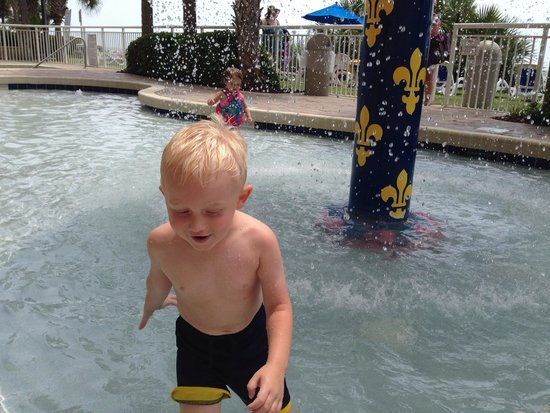 Camelot by the Sea, Oceana Resorts: Fun in the kiddy pool!