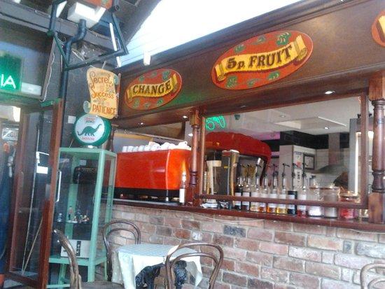 Smokey Joe's Coffee Bar: Back area seating :)