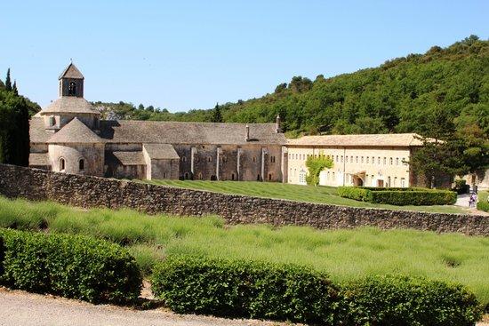 Abbaye Notre-Dame de Sénanque : Vista da esterno