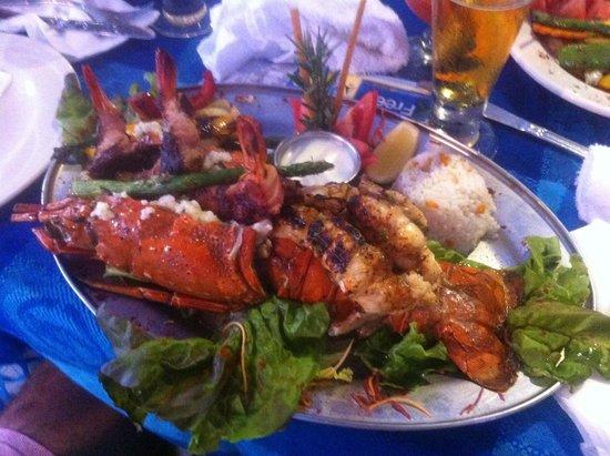 La Chatita Restaurant & Bar: Shrimp and lobster