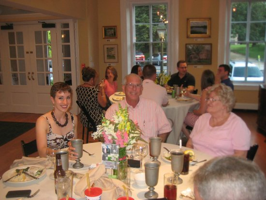 Cantwell's Tavern: Everyone had a great time - beautiful inside!