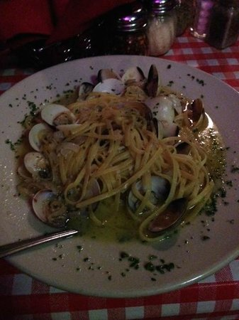 Gabriella's Italian Grill & Pizzeria: Pasta with Clams