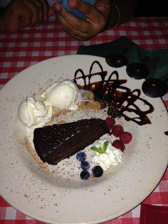 Gabriella's Italian Grill & Pizzeria: Chocolate Raspberry Cake