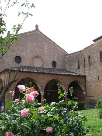 Monastero di Sant'Antonio in Polesine : Knock on furthest door in corner
