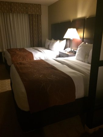 Comfort Suites Commerce: 2 queen suite