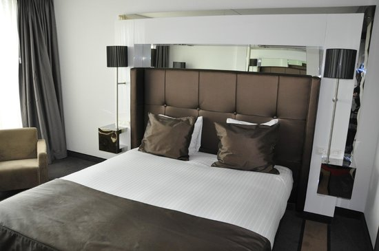 WestCord Fashion Hotel Amsterdam : Bequemes Bett mit guten Matratzen zum Schlafen
