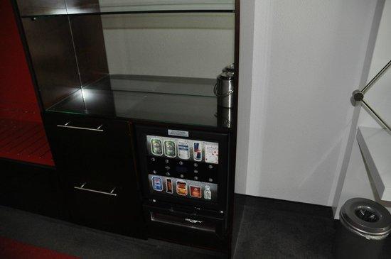 WestCord Fashion Hotel Amsterdam : Elektronische Minibar