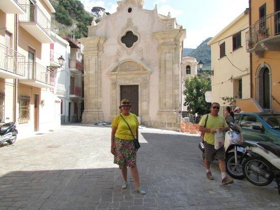 Hotel Grotticelle: Что может быть лучше маленькой юной Италии?