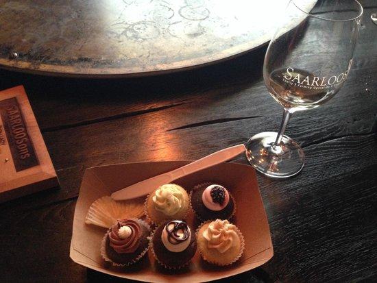 SAARLOOSons: Wine tasting paired with cupcakes