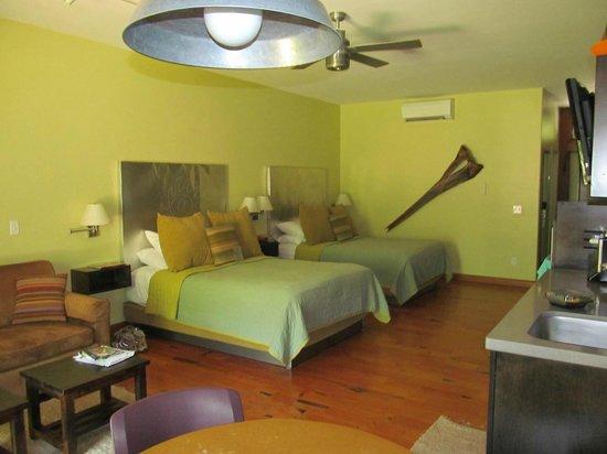 Desert Pearl Inn: 1st Floor River View Room