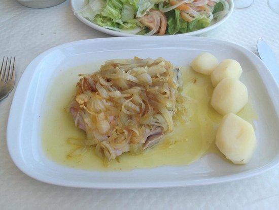 Faro e Benfica Restaurante Marisqueira: Тунец в местном соусе