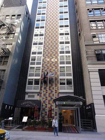 Wyndham Garden Hotel Manhattan, Chelsea West: facade sur rue