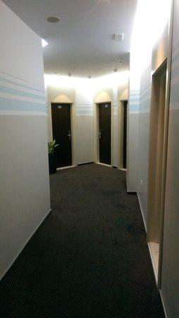 Hotel Brilant: Flur 6. Etage