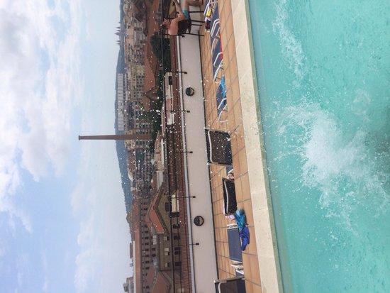 Sunotel Junior: Piscina terraza vistas.