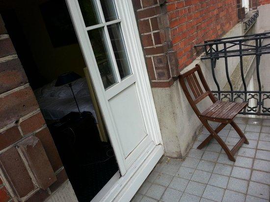 Hotel Wagner im Dammtorpalais : Einzelzimmer mit Balkon