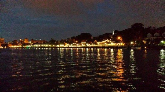 Henrietta III: Riverfront at evening!