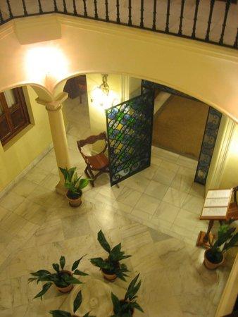 Hotel Montelirio: Montelirio- central atrium