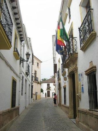 Hotel Montelirio: Montelirio- streetside entry