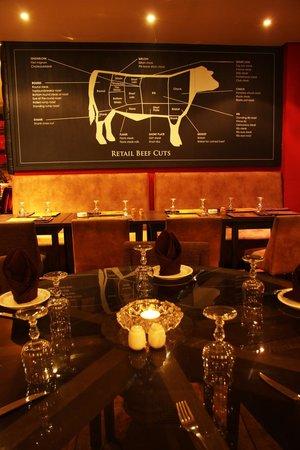 The Saloon : Saloon Bar Steakhouse