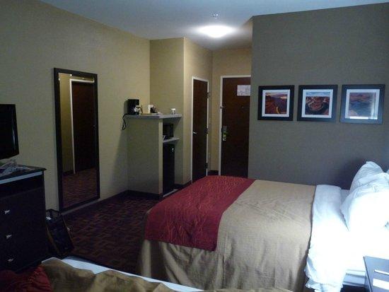Comfort Inn & Suites : Zimmer