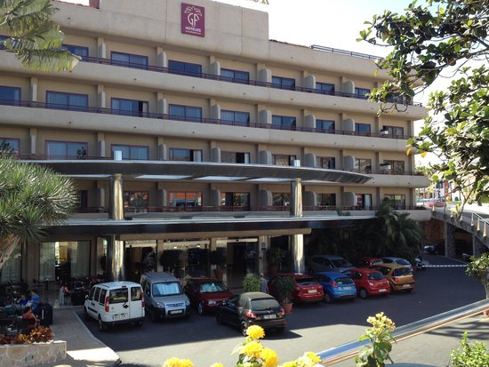 GF Fanabe : Front of hotel