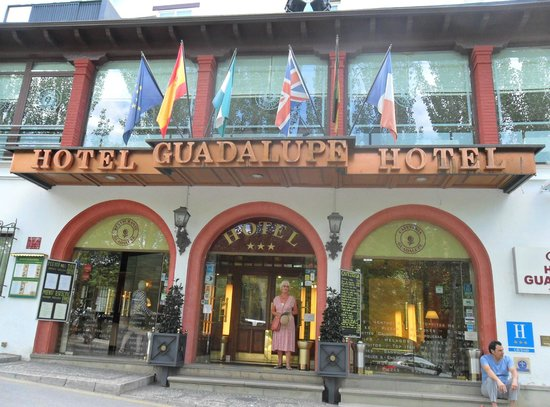Guadalupe Hotel: Entrance to Hotel Guadalupe Grenada