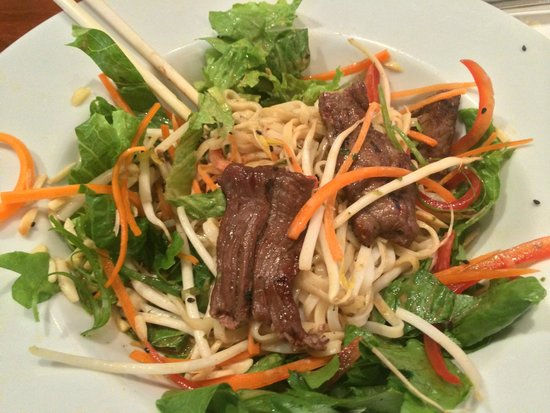 Eleven22 Restaurant : Beef satay with vermicelli