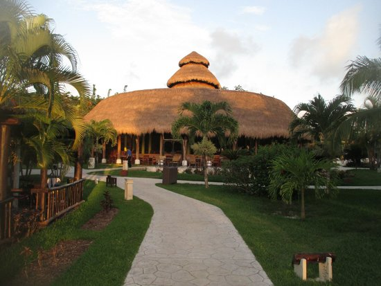 Iberostar Cozumel: view of the dining room.