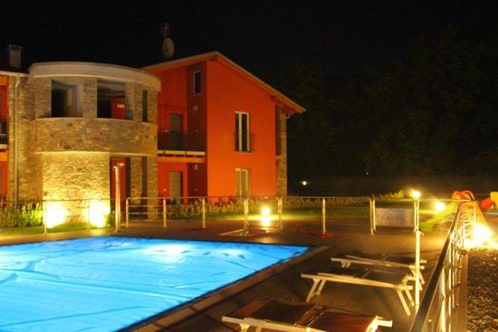 Residence & SPA Villa Paradiso : Villa Paradiso at nigt