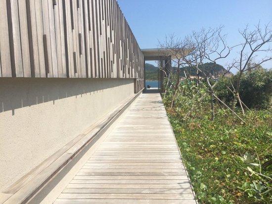 Amanoi: Beach Club Gateway