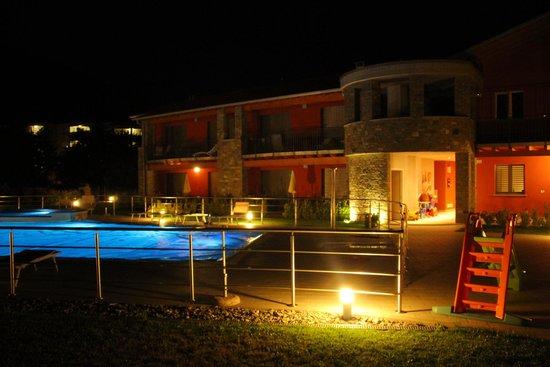 Residence & SPA Villa Paradiso: Villa Paradiso at nigt