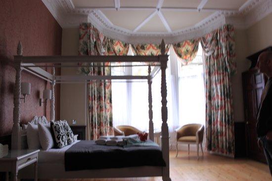The Lairg: Bedroom