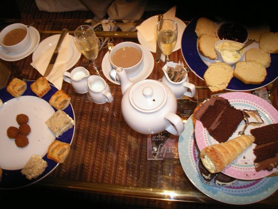 Bickleigh Castle: Tea for two enough for 3.