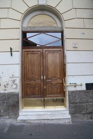 San Peter Rome B&B: Вход/Entrance
