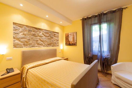 Camera da letto matrimoniale - Foto di Albergo Ristorante Il Ponte ...