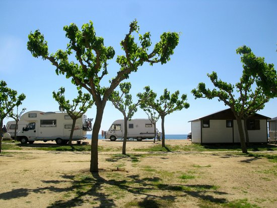 Camping Bon Repos : Stellplätze und Bungalows am Strand