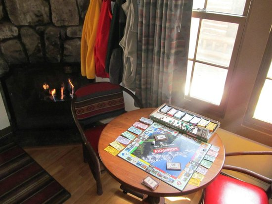 Bryce Canyon Lodge: Borrow a board game from the front desk (National Parks Monopoly)