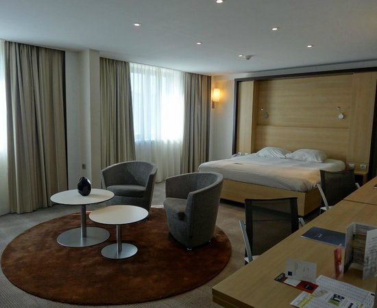 Novotel Convention & Wellness Roissy CDG: chambre