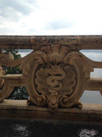 Villa del Balbianello: badge of first owner